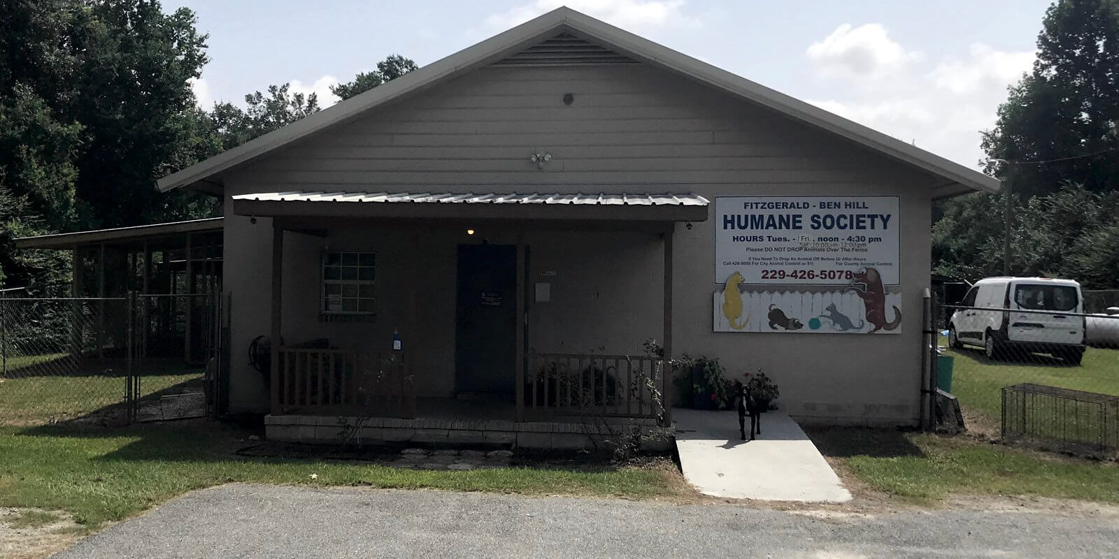 Front door of the Fitzgerald-Ben Hill Humane Society. Shot by Jason Hobbs on an iPhone 7+.